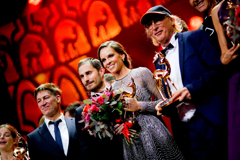 BAMBI 2015 in Berlin Preisträger auf der Bühne zum Ende der Verleihung / Show (c) Daniel Grund/HBM