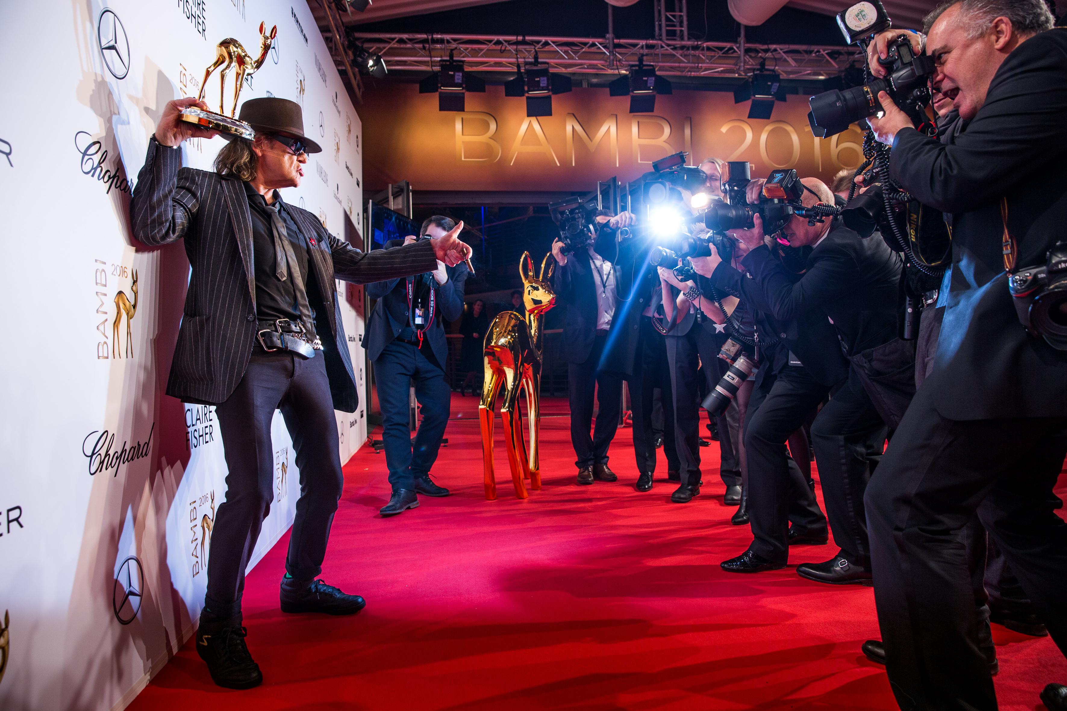 "Der BAMBI in der Kategorie ""Musik National"" ging an Udo Lindenberg © Photo: Clemens Porikys for Hubert Burda Media: BAMBI 2016"