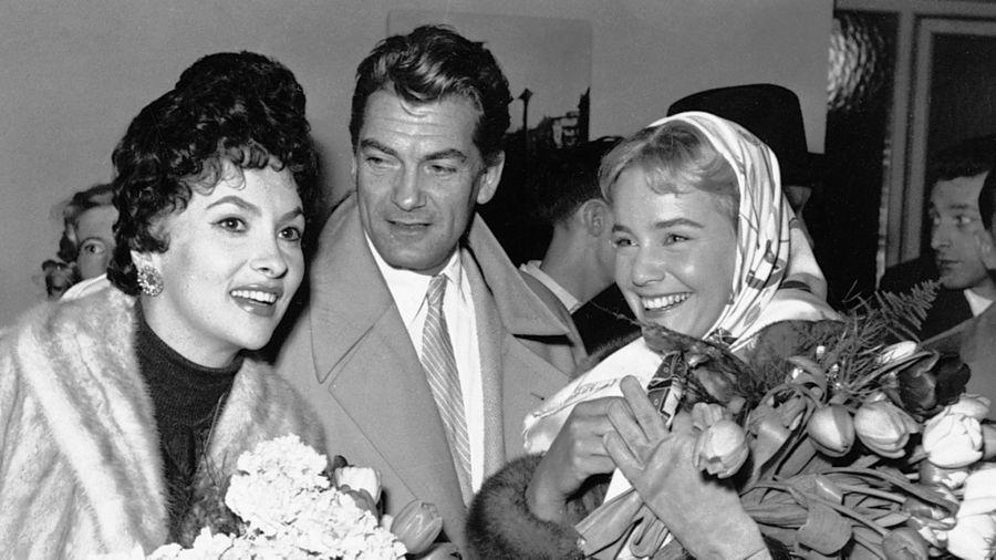 """160.480 Leser der """"Film-Revue"""" kürten sie zu BAMBI-Siegern: Gina Lollobrigida, Jean Marais, Maria Schell."""