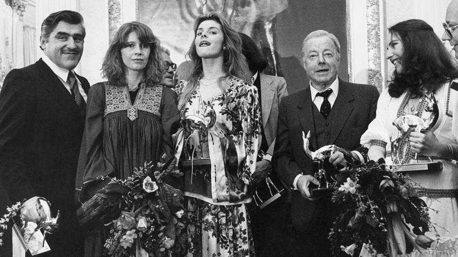 BAMBI-Sieger bei der Premiere von Hubert Burda als Gastgeber (v.l.): Mario Adorf, Lisa Kreuzer, Nastassja Kinski und Heinz Rühmann.