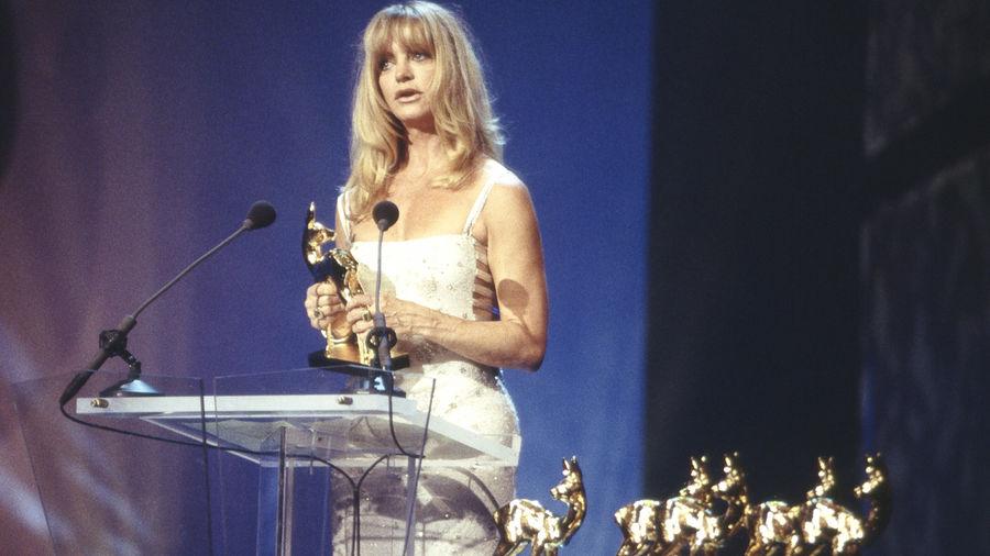"""Hollywood-Schauspielerin Goldie Hawn erhielt den BAMBI in der Kategorie """"Film international"""". Sie bedankte sich in einem herrlichen Deutsch-Englisch-Kauderwelsch."""